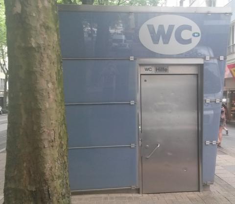 Eingang Toilettengebäude