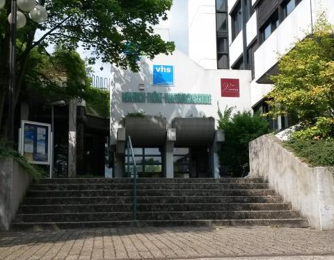 Eingang Volkshochschule