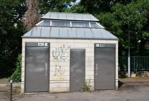Toilettengebäude Schleuseinsel