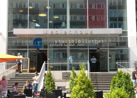 Eingang Medienhaus