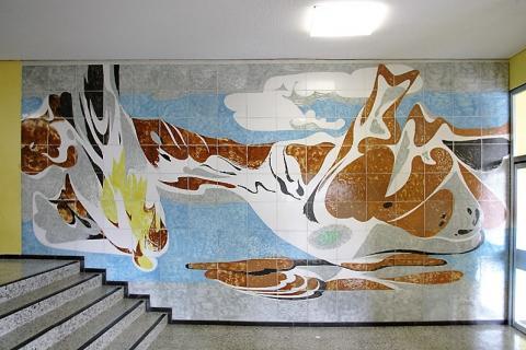 Dahler, Gustav: Wandgestaltung, Turnhalle, Gesamtschule Saarn, Foto: Kunstmuseum Mülheim an der Ruhr/ Ralf Raßloff 2008.