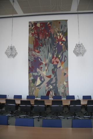 Dahler, Gustav: Wandteppich, Ansicht in situ am ehemaligen Standort im Sitzungssaal des Rathauses; Foto: Kunstmuseum Mülheim an der Ruhr 2009.