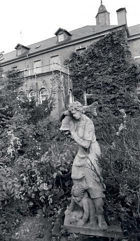 Deus, Willy: Fischer-Brunnen, 1981; Foto: 1981, Stadt Mülheim an der Ruhr/ Walter Schernstein.