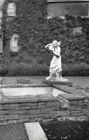 Deus, Willy: Fischer-Brunnen, Zustand 1960; Foto: Mülheimer Jahrbuch 1960.