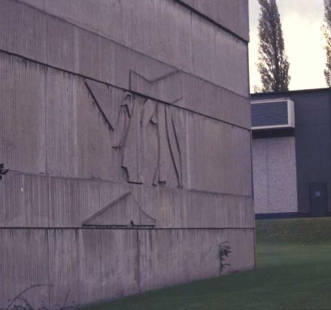 unbekannt: Betonrelief; Foto: Kunstmuseum Mülheim an der Ruhr o.J. (1980er?).