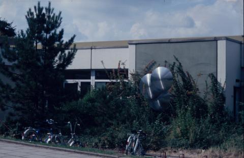 Kühn, Herbert: Metallplastik, Foto: Kunstmuseum Mülheim an der Ruhr 2001.