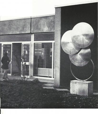 Kühn, Herbert: Metallplastik, Foto aus: Mülheimer Jahrbuch 1976.