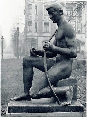Lickfeld, Hermann: Bogenschütze/ Apoll, ursprünglicher Standort auf dem Goetheplatz, ca. 1937; Foto: unbekannt.
