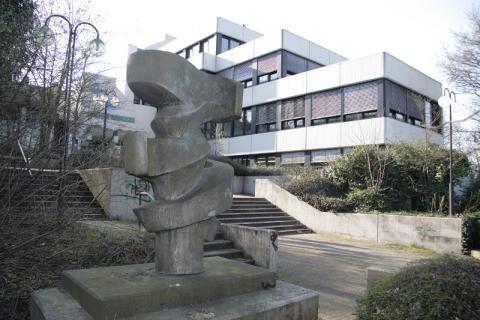 Prasse, Karl: Bewegung und Gegenbewegung, Zustand 2008; Foto: Kunstmuseum Mülheim an der Ruhr/ Ralf Raßloff 2008.