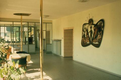 Rasche, Ernst: Kupferrelief (Feuerwehr), Raumsituation in der ehemaligen Feuerwache an der Aktienstraße; Foto: Kunstmuseum Mülheim an der Ruhr o.J.
