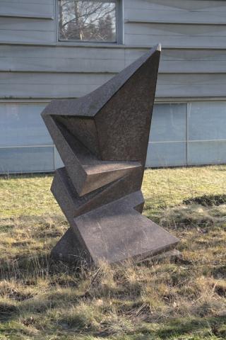 Rasche, Ernst: Skulptur in der Landschaft, ehemaliger Standort: Firmensitz Agiplan, Zeppelinstr. 301; Zustand 2009; Foto: Kunstmuseum Mülheim an der Ruhr 2009.
