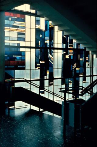 Thonett, Will: Fensterwand, Detail einer Etage; Foto: Kunstmuseum Mülheim an der Ruhr, vor 2001.