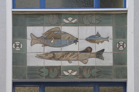 Dahler, Gustav: Wandgestaltung Gerberstr. 10, Detail (Fische), Foto: Kunstmuseum Mülheim an der Ruhr 2015.