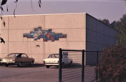 Klucken, Alois: Keramikrelief, Foto: Kunstmuseum Mülheim an der Ruhr o.J. (1980er?).