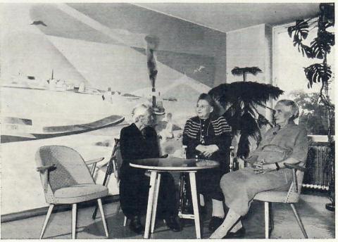 Dahler, Gustav: Wandgestaltung, Seniorenheim, Kuhlendahl, Foto aus: Mülheimer Jahrbuch 1965, S.35.