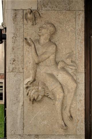 Meller, Willy: Relief am Portal der Realschule Stadtmitte, links, 1925-1928.