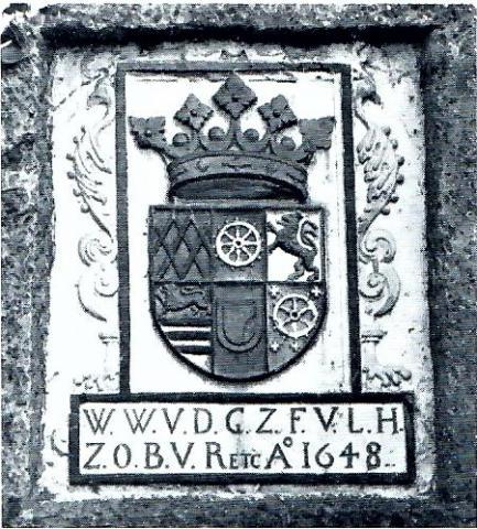 Wappenrelief am Schloß Broich: Wappen des Wilhelm Wyrich Daun (1648); Foto: Mülheimer Jahrbuch 1976.