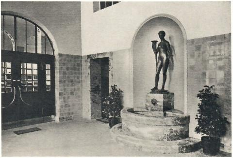 Janssen, Ulfert: Fortuna in der Eingangshalle der Sparkasse, Zustand um 1910; Foto: Mülheimer Jahrbuch 1985.