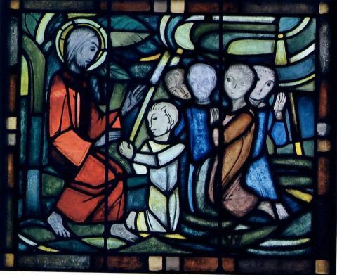 Hellwig, Karl: Chorfenster - ev. Kirche in Broich, Detail: Jesus und die Kinder; Foto: Mülheimer Jahrbuch 2009, S. 285.