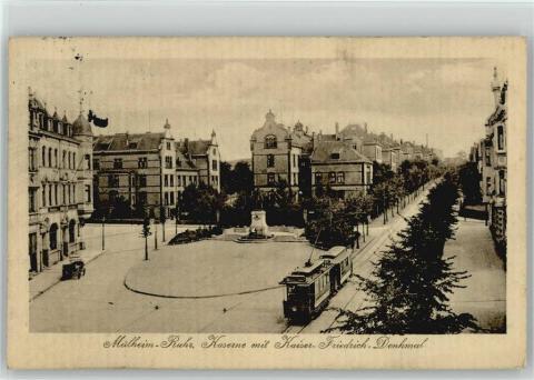 Künne, Arnold: Postkarte mit Ansicht des Kaiser Friedrich III.-Denkmal, Foto: http://www.ansichtskarten-center.de/webshop/shop/ProdukteBilder/10010/AK_10004795_gr_1.jpg (Abruf: 23.04.2020).
