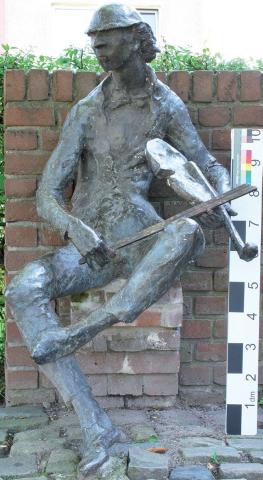 Friede, Heide: Geigenspieler - Zustand nach Restaurierung 2015; Foto: Cordula Jufferrnbruch 2015.