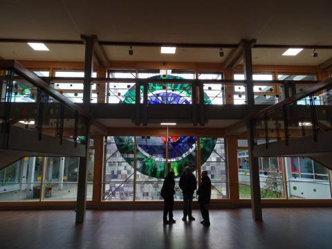 Hirsch, Ursula: Fensterwand Katharinenschule, Zustand 2017; Foto: Kunstmuseum Mülheim an der Ruhr 2017.