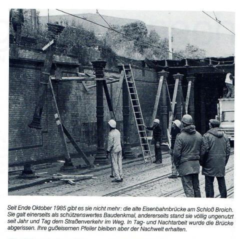 Demontage der Eisenbahnbrücke am Schloß Broich; Foto: Mülheimer Jahrbuch 1985, S. 271.